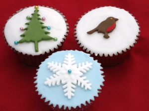 the sweet kitchen Tree, Snowflake and Robin Cupcakes