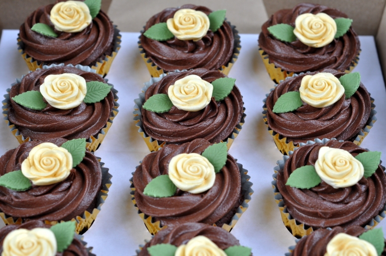 Chocolate cupcakes with ivory roses