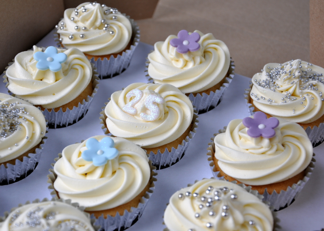 25th Wedding Anniversary Cupcakes – from the sweet kitchen