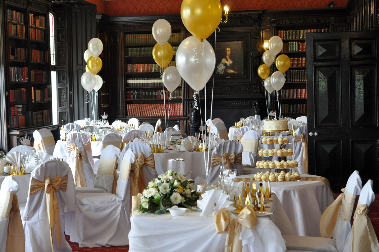 White Daisy Wedding Cupcakes at Hinchingbrooke House
