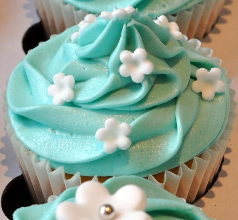 Tiffany Blue And Black Wedding Ideas: Tiffany Blue Wedding Cupcakes
