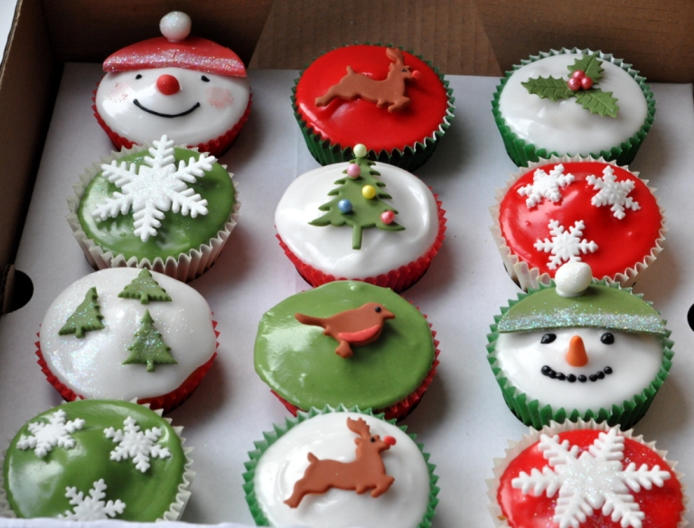 thes weeet kitchen's Alpine Christmas Cupcakes 2011